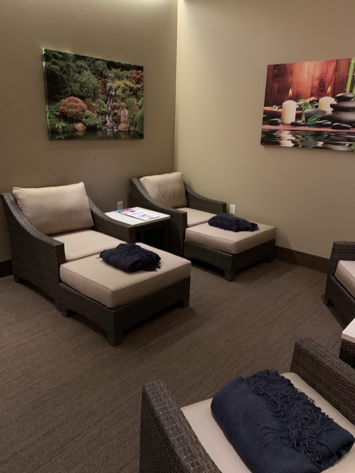 spa sitting room - villasport cinco ranch
